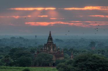 Bagan – na dachach tysiącletnich świątyń